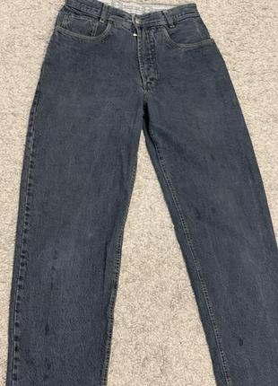 Крутые джинсы от известного бренда