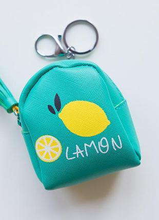 Яскравий гаманець для маленьких речей