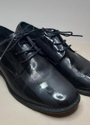 Туфли чёрные лаковые дизель