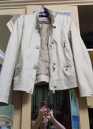 Куртка ветровка весення