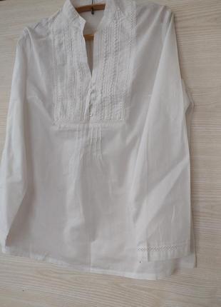 Хлопковая блузка с ткрасивым кружевом