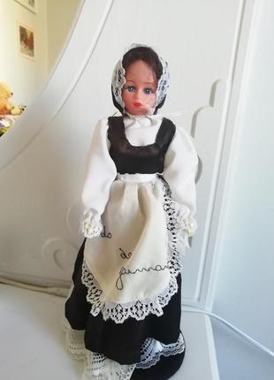 Кукла интерьерная на подставке