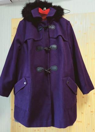Супербатал!отличное пальто с капюшоном,62-66размер(26-28),yours.
