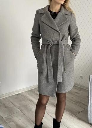 Пальто с поясом весеннее