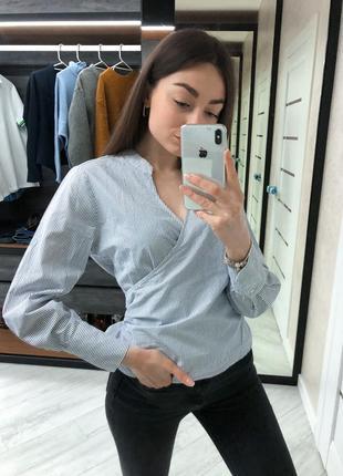 Блузка в полоску с бантиком