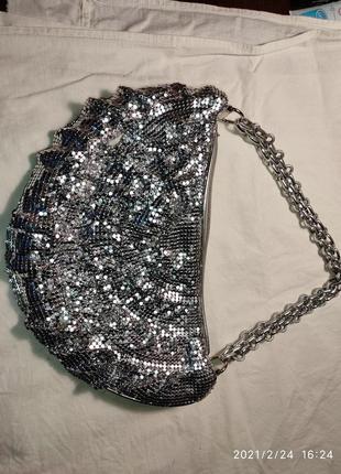Маленькая сумочка с шелковой подкладкой