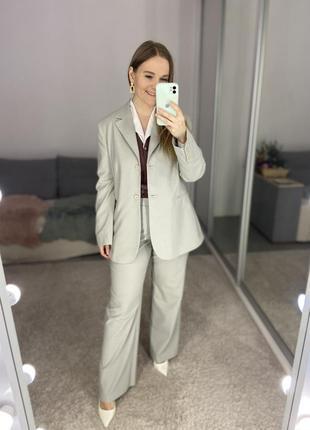 Актуальный винтажный шерстяной брючный костюм №28