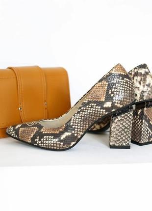 Элегантные туфли лодочки с тиснением питона ручной работы