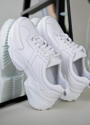 Идеальные с ортопедической стелькой кожаные белые кроссовки белоснежные