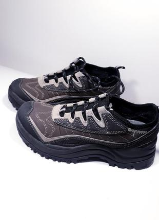 Оригинальные кроссовки р.40 (25,5 см.)