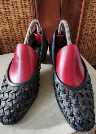 Кожаные итальянские туфельки на лето от известного бренда.