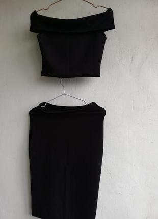 Костюм, комплект  топ с открытыми плечами и юбка карандаш, размер  s/m , oui