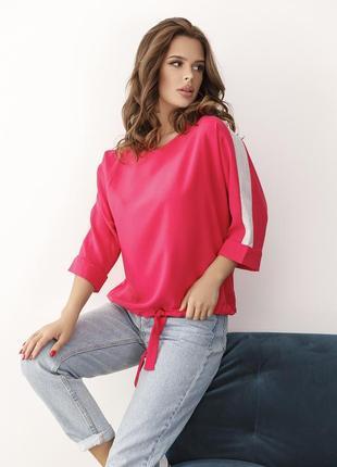 Малиновая крепдешиновая блуза с блестящими вставками