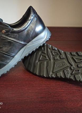 Кроссовки .спортивные туфли