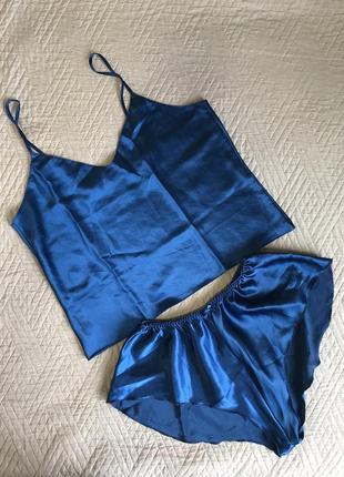 Шикарная пижама топ шорты синего цвета атлас