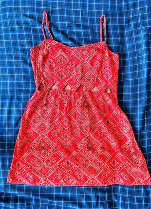 Актуальное летнее платье красное в стиле 90-х вискоза мини сарафан летний h&m /как новое/