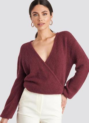 Теплый бордовый свитер имитация запаха na-kd размер м