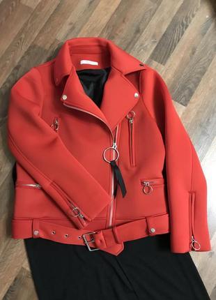 Красная косуха курткс mango