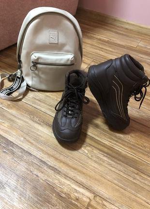 Спортивный рюкзак puma и кроссовки 39 размера