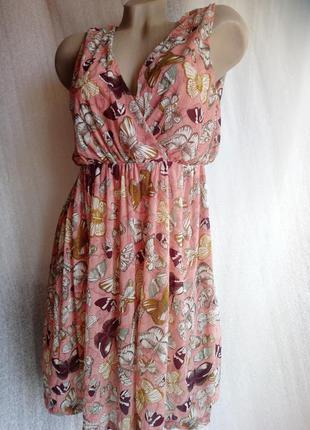 Платье в бабочки .брендовое h&m