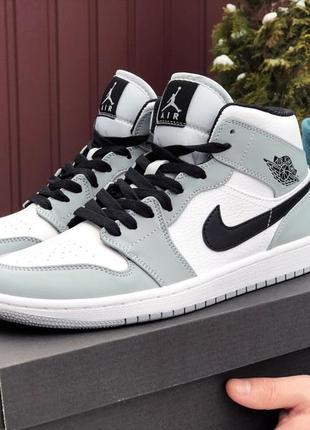 Кросівки чоловічі nike air jordan білі із сірим