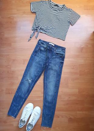 Комплект весна - лето : джинсы zara и топ - футболка