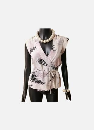 Нежная шёлковая блуза в цветочный принт