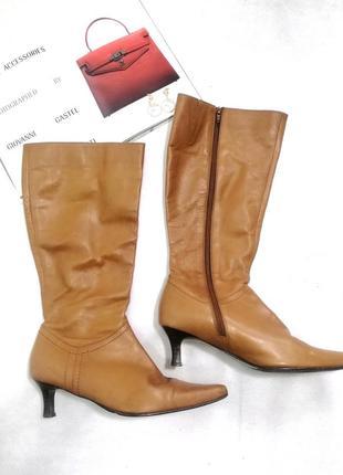 Рыжие кожаные сапоги на шпильке острый носок коричневые camel