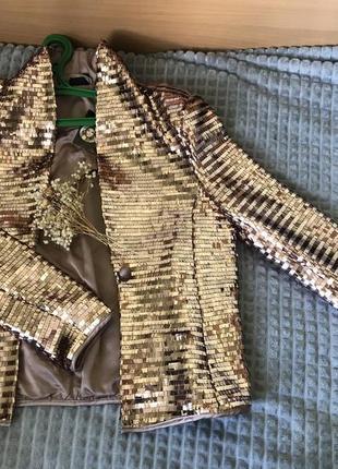 Блестящий пиджак !новый с этикеткой