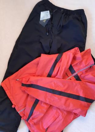 Зимние, тёплые, новые штаны плюс ветровка в подарок