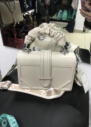 Сумочка через плечо кроссбоди бежева сумочка