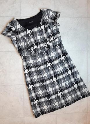1+1=3 красивое качественное платье приталенное миди 30% шерсть, размер 50 - 52, италия