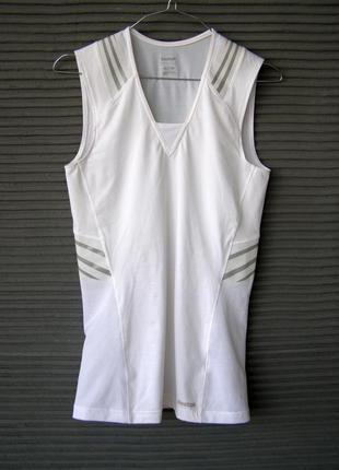 Reebok easytone fitted , беговая футболка  - приталенного кроя