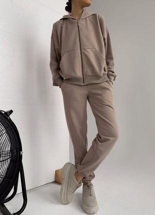 Женский спортивный костюм базовый