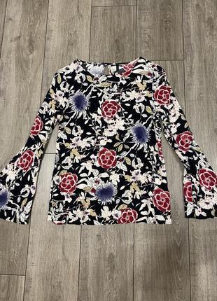 Красивая блузка benetton