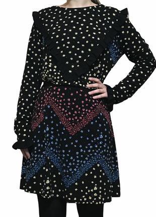 Чёрное платье в цветочек