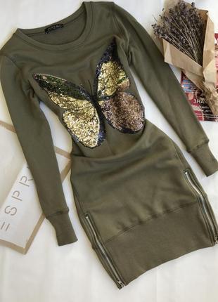Крутое платье худи оверсайз с аппликацией пайетки.