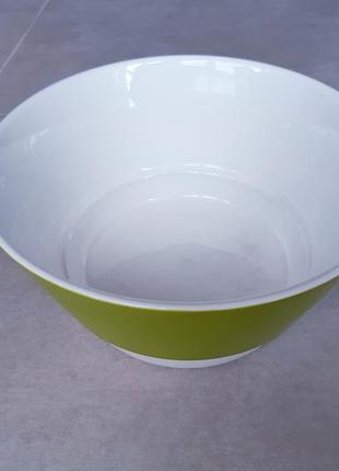 Большая миска, тарелка, салатница