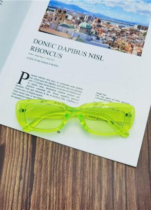 Прямоугольные солнцезащитные женские очки салатовые