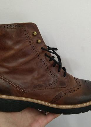 Шикарные ботинки на шнурках clarks р. 42