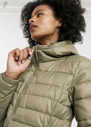 Оливковая демисезонная куртка на молнии с капюшоном дутая asos