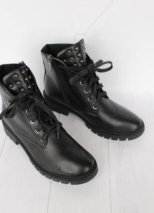 Демисезонные кожаные ботинки, ботильоны 39 размера на шнурках