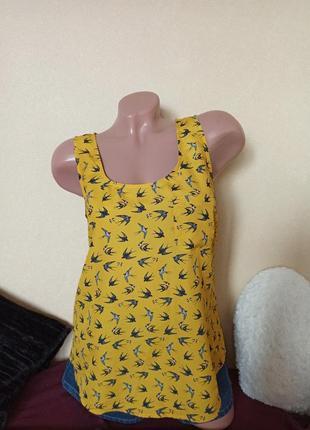 Женская майка oasis yellow, женская майка в принт ласточки, женская блуза ласточки