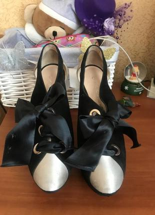 Продам туфли нарядные1 фото