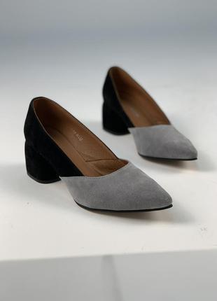 Женские туфли на каблуке 5 см с острым носом)