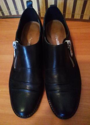 Фирменные  кожанные туфли clarks