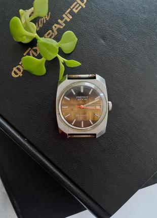 Prefect super de luxe antimagnetic часы механические винтаж