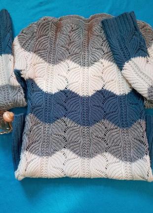 Вязанный свитерок