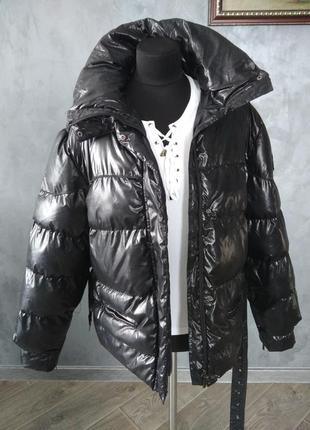 Куртка фірмова