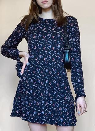 Платье женское в цветочный принт